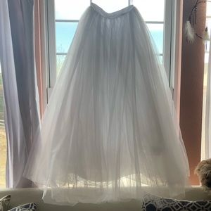 Bright white tulle wedding skirt sz 0-2